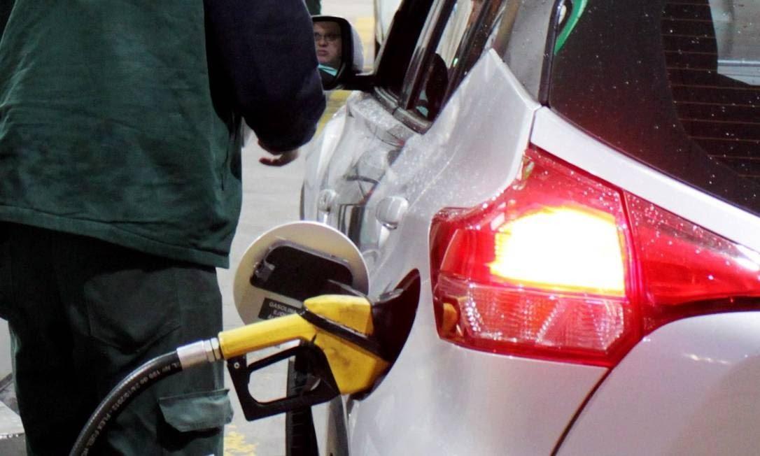 Petrobras anuncia novo aumento da gasolina e do diesel em suas refinarias Foto: Paulo Nicolella / Agência O Globo